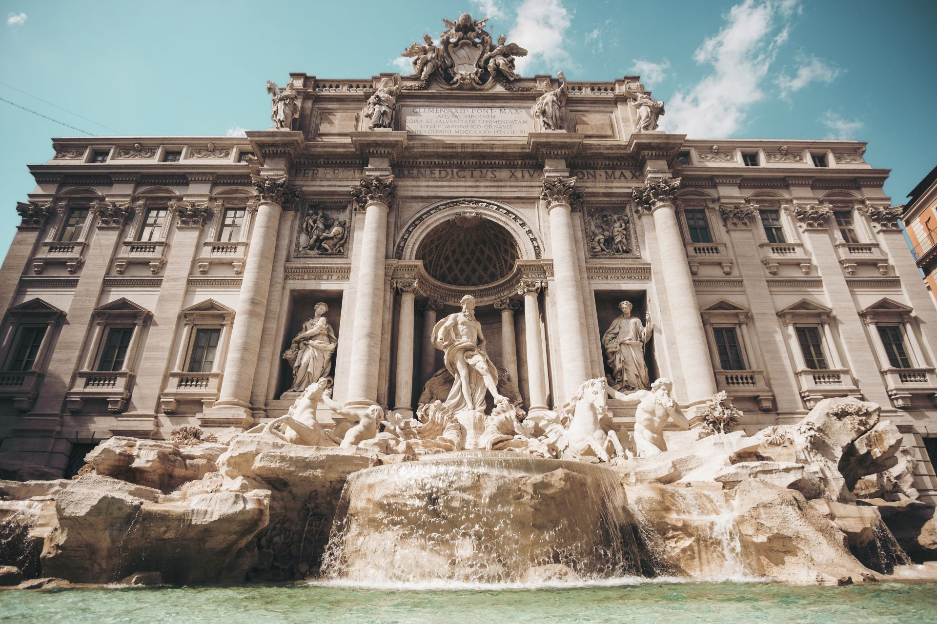 italy-offers-cash-back-rewards-to-boost-credit-use